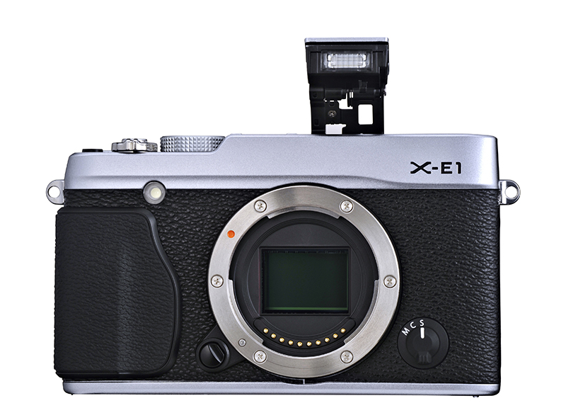 X-E1 Silver_Built-in Flash