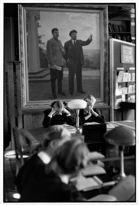 SOVIET UNION. Moscow. 1954. Lenin State Library. Inside one of the reading rooms.