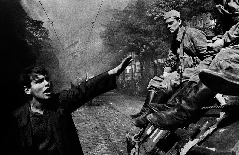 CZECHOSLOVAKIA. Prague. August 1968. Invasion by Warsaw Pact troops in front of the Radio headquarters