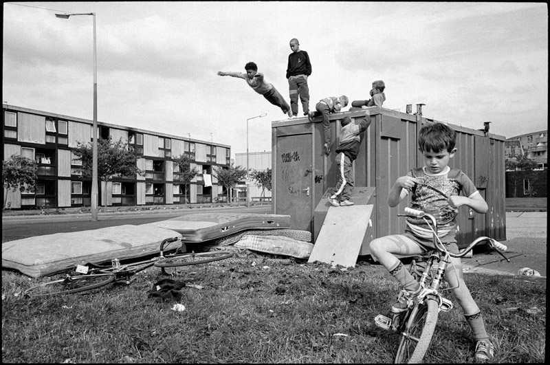 GB. ENGLAND. Manchester. Moss Side Estate. 1986