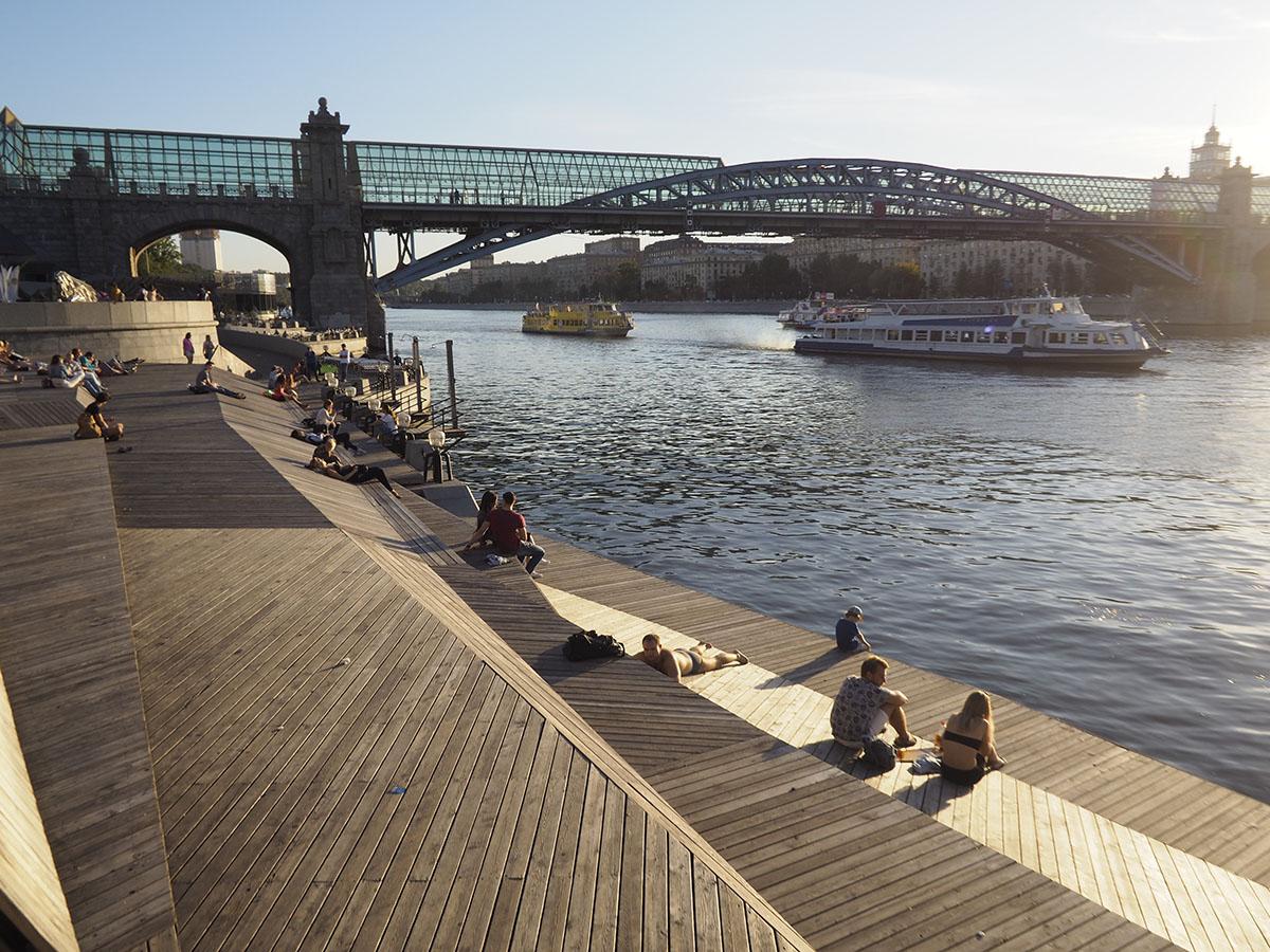йен фото парков на набережной реки москвы есть