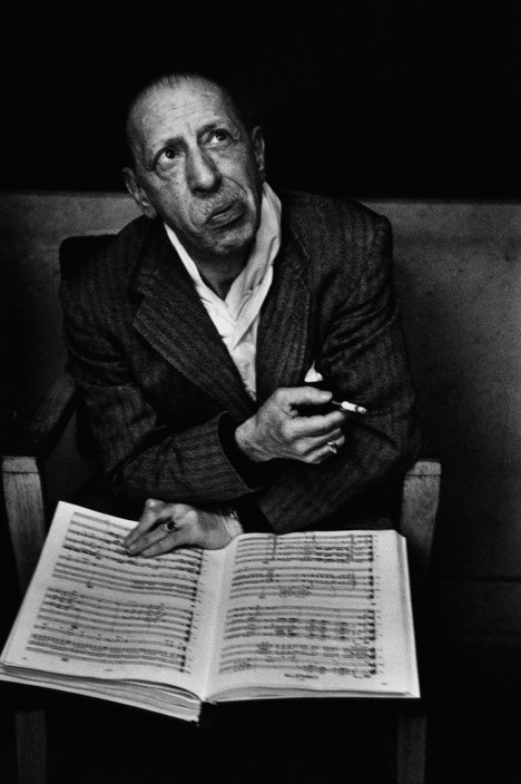 USA. New York City. 1957. Igor STRAVINSKY in the studios of the Colombia Records.