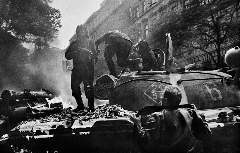 CZECHOSLOVAKIA. Prague. August 1968. Invasion by Warsaw Pact troops near the Radio headquarters