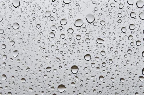 Как создать боке на переднем плане с помощью воды на стекле